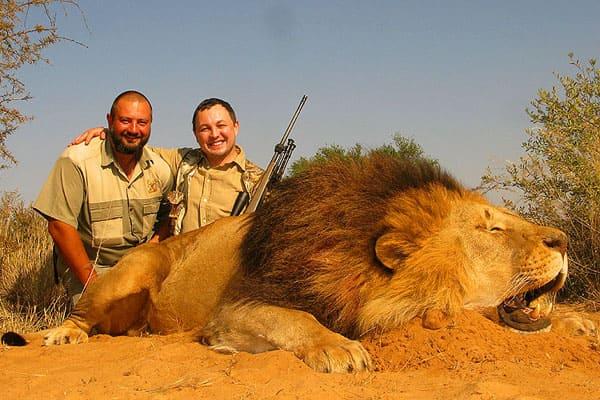 cacciatori di leoni