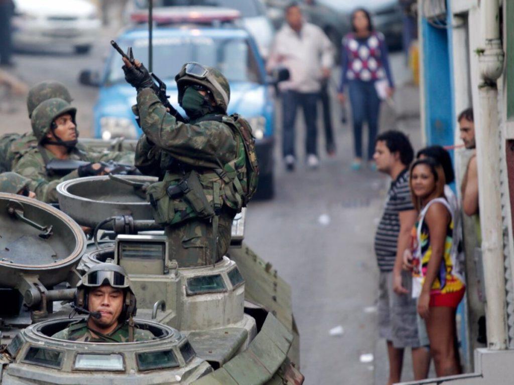 Questa immagine ha l'attributo alt vuoto; il nome del file è esercito-brasile-1024x768.jpg
