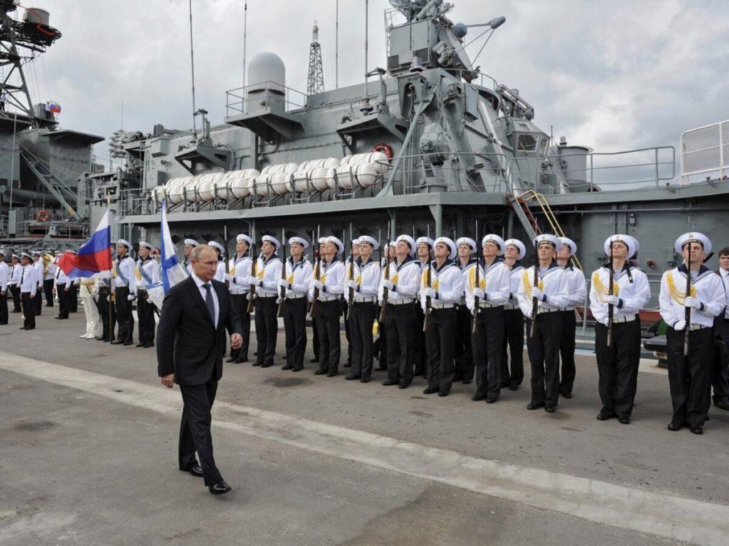 Questa immagine ha l'attributo alt vuoto; il nome del file è esercito-russia-1024x768.jpg