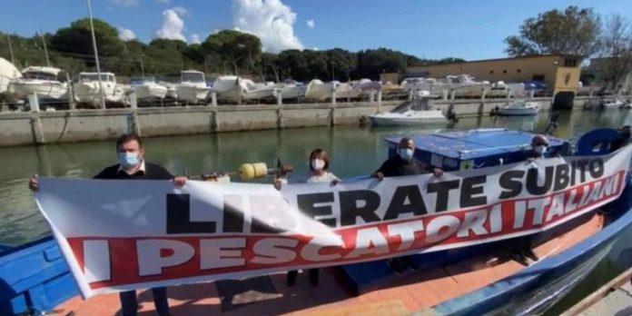 Liberati i pescatori italiani sequestrati in Libia