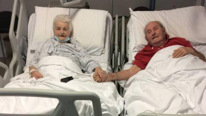 coppia di noventenni_mano nella mano_ospedale