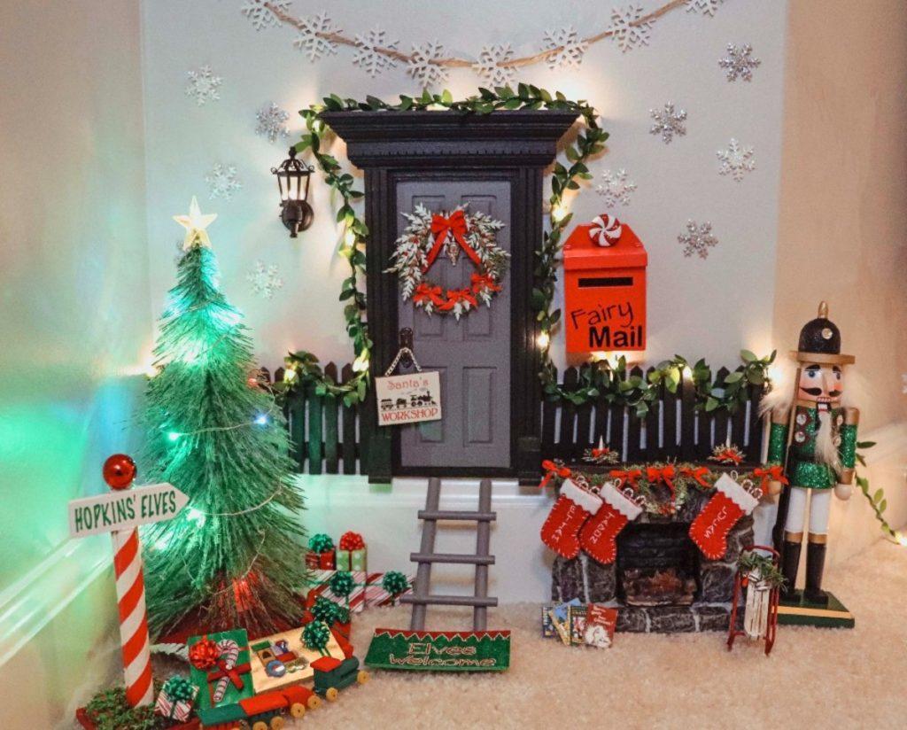 La porta magica di Elf on the Shelf.