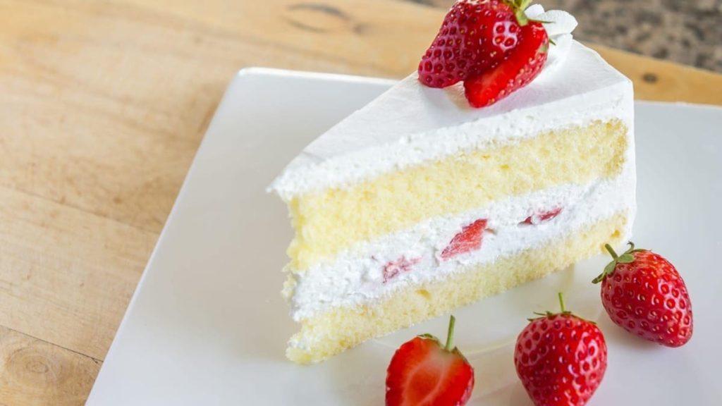 ricette al cioccolato bianco_torta cioccolato bianco panna fragole