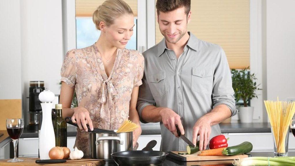spesa per il cenone_italiani in cucina