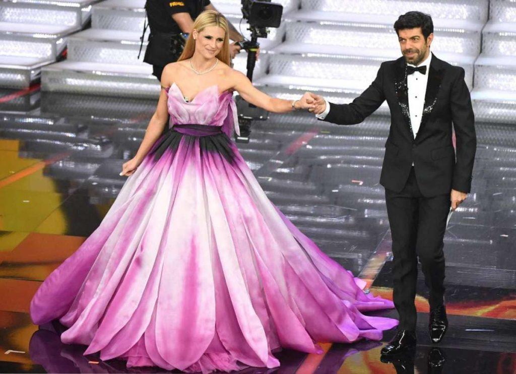 Il Festival a Sanremo e la moda fatta di look stravaganti, abiti imprevedibili e sognanti.