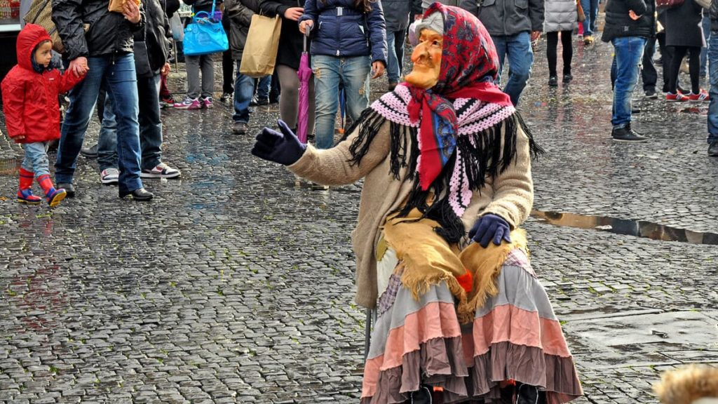 Befana di Piazza Navona_befana