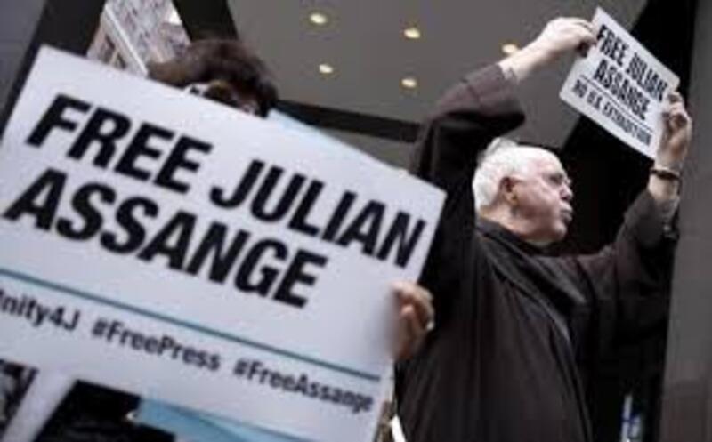 Assange sostegno.