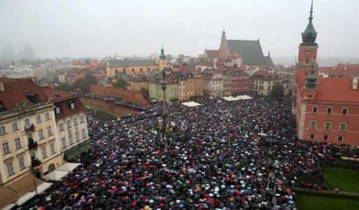 Norma che vieta l'aborto Varsavia.