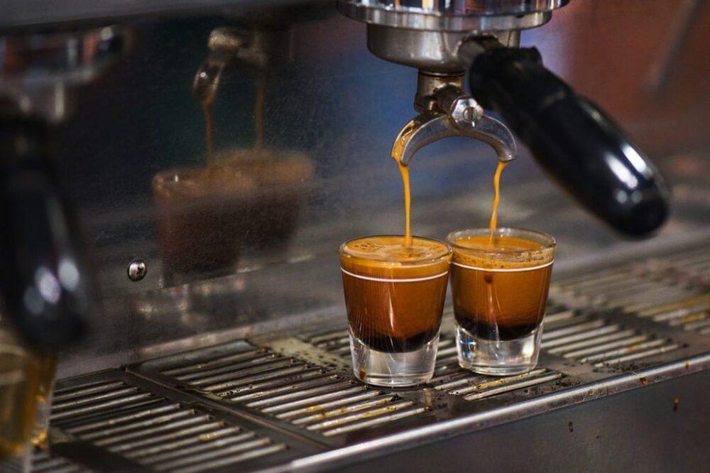 Cose da sapere sul caffè, tazza o vetro.