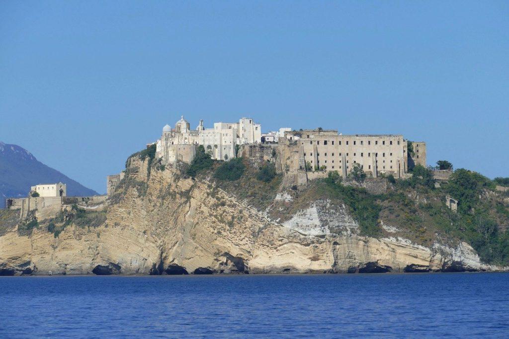 procida capitale della cultura 2022 il castello