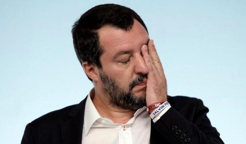 Salvini diserta il processo per vilipendio per impegni istituzionali.