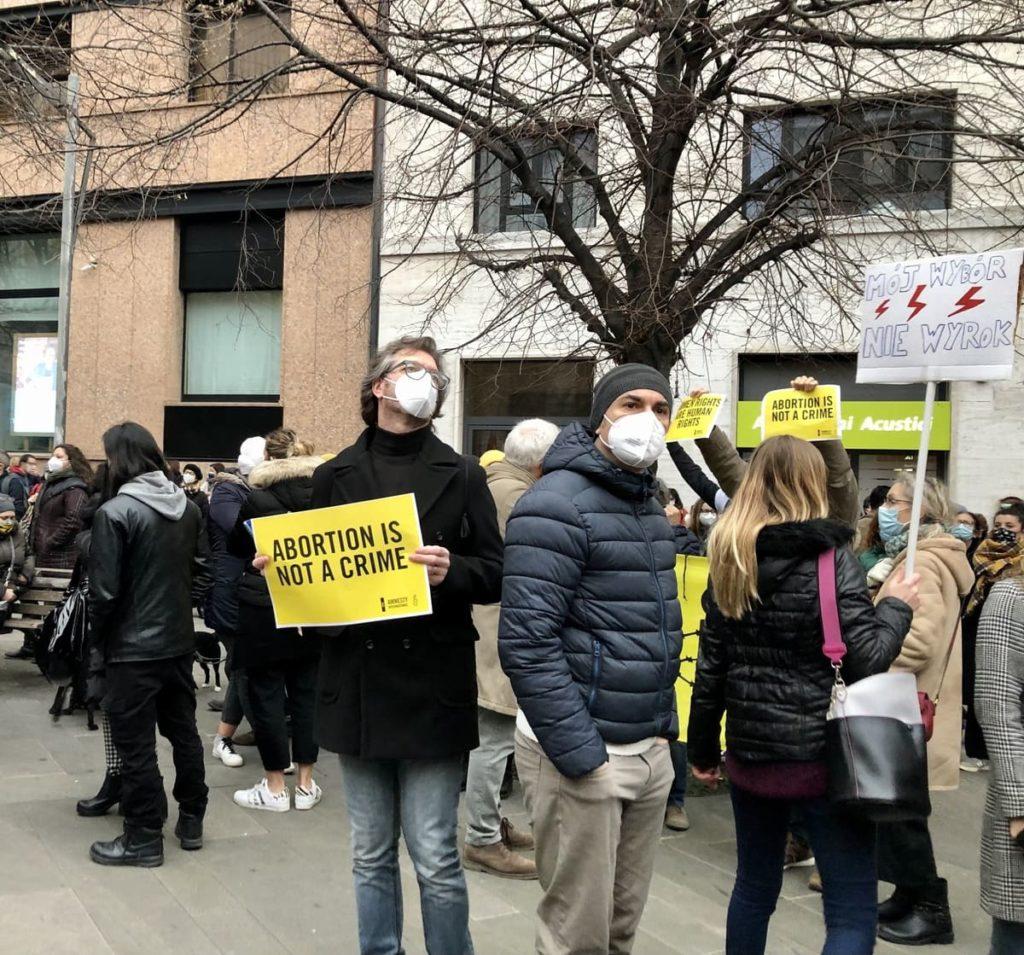 L'Italia eversiva per la 194: manifestazioni contro gli antiabortisti.