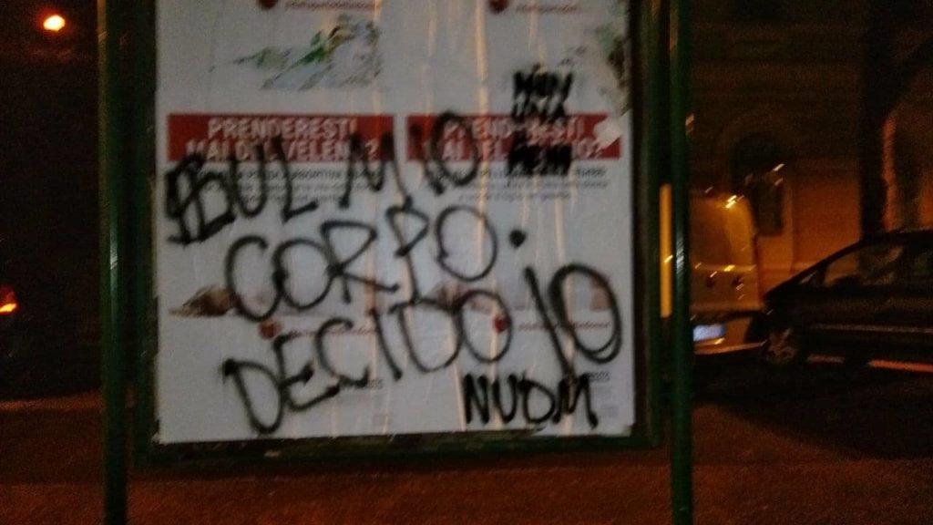 Manifesti antiabortisti scatenano le attiviste di Non un di meno.