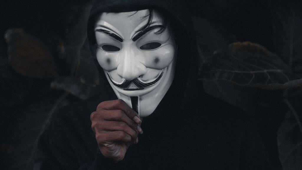Attacchi informatici Anonymous.