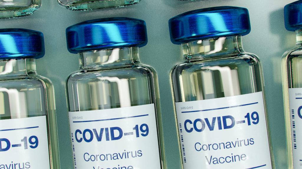 Contro il Coronavirus, a che punto sono i piani vaccinali? La situazione in Italia.