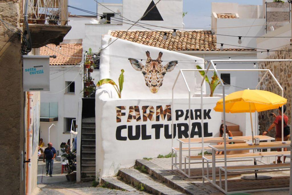 Farm Cultural Park: la rinascita sociale e culturale di un centro abbandonato.
