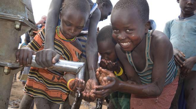 """Giornata mondiale dell'acqua perchè: """"In Africa 1 persona su 3 non dispone di acqua""""."""