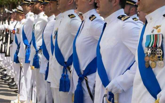 Ufficiale della Marina arrestato per spionaggio: documenti segreti in cambio di 5.000 euro