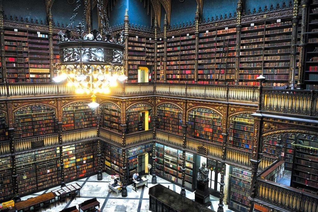 Giornata mondiale del libro 2021 a Rio de Janeiro, Brasile: la Sala Reale di Lettura Portoghese.