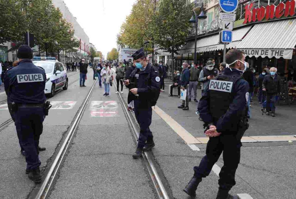 Lockdown in Francia: le nuove diposizioni del governo francese sulla circolazione