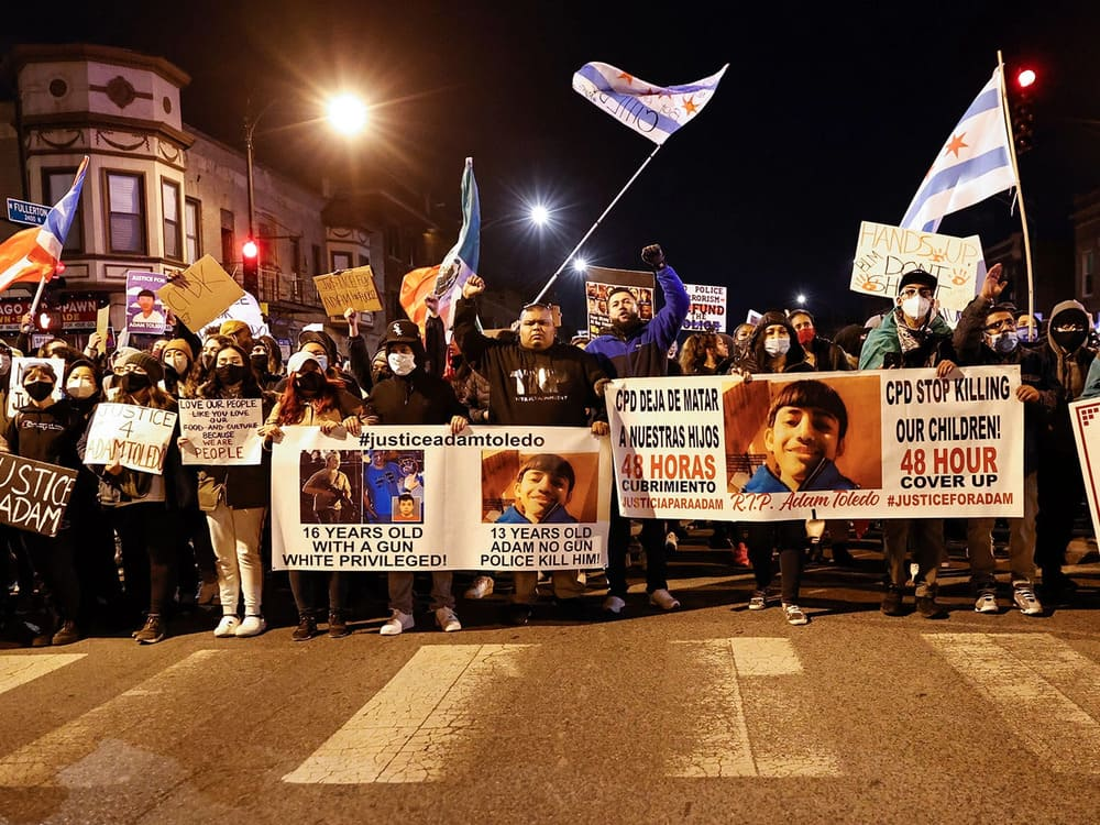omicidio adam toledo proteste