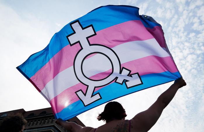 Napoli, ingresso nel bagno maschile negato ad uno studente trans: lo sciopero dei compagni di classe