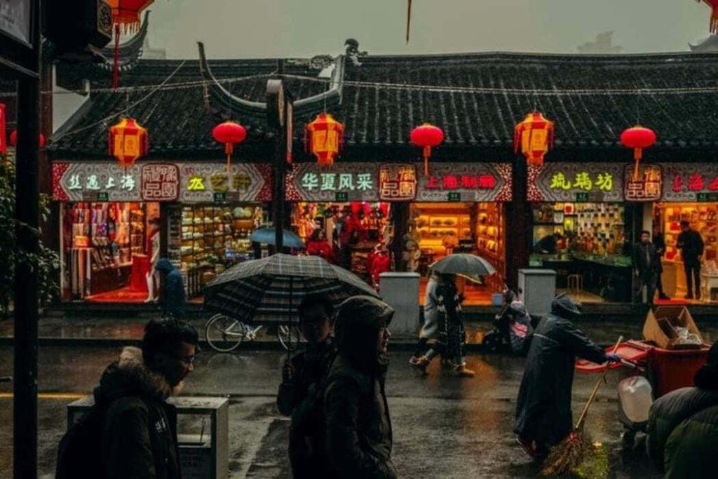 Rete di sorveglianza in Cina: controllo totale sugli Uiguri