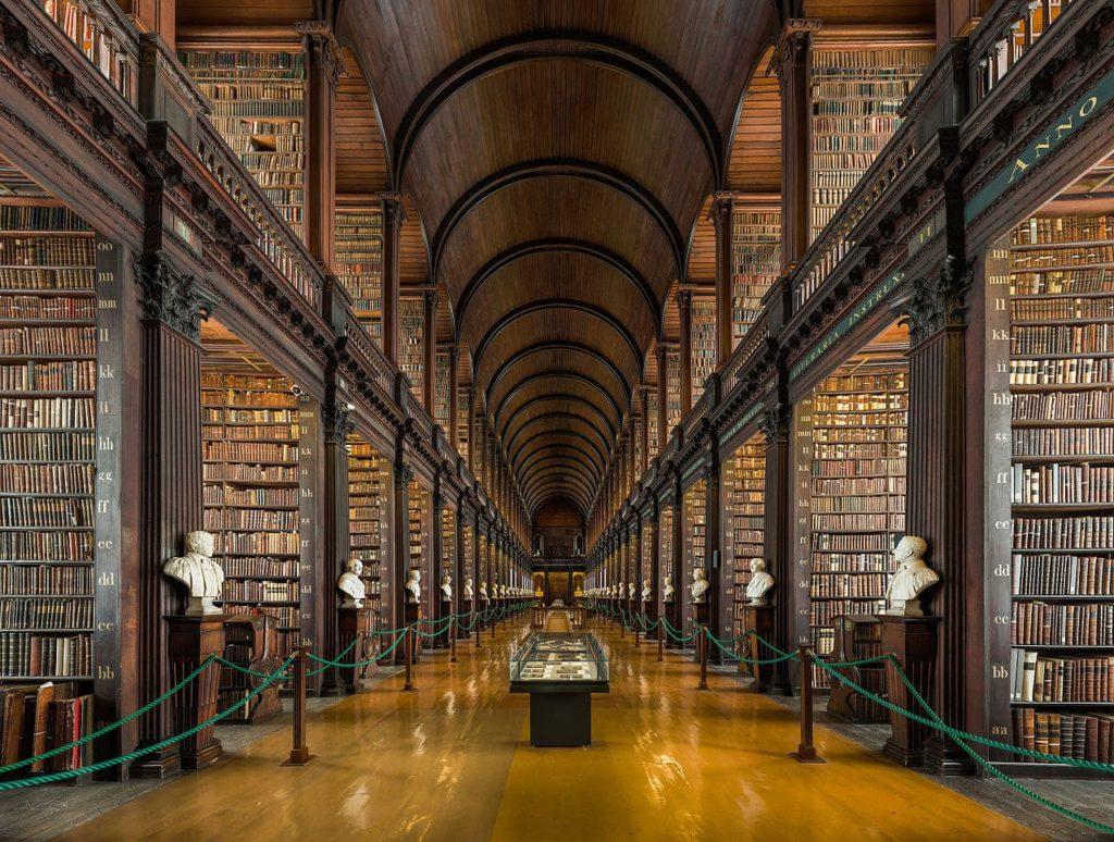 Giornata mondiale del libro 2021 a Dublino, Irlanda: Biblioteca del Trinity College.