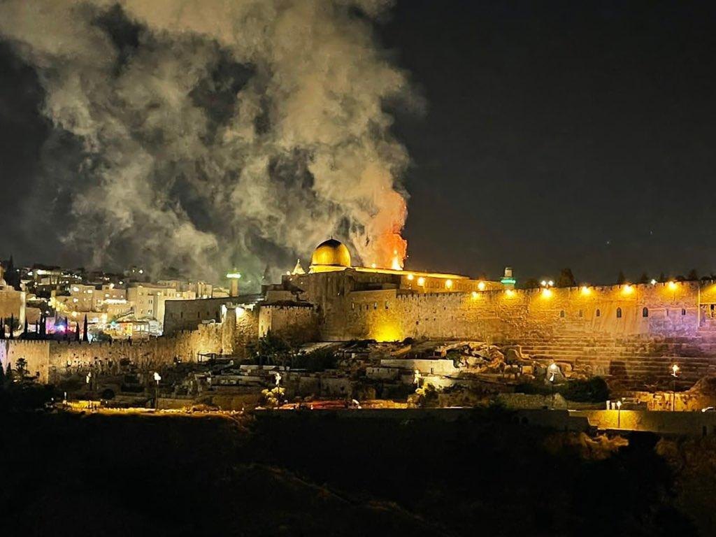 """Esercito israeliano: """"L'operazione durerà giorni"""""""