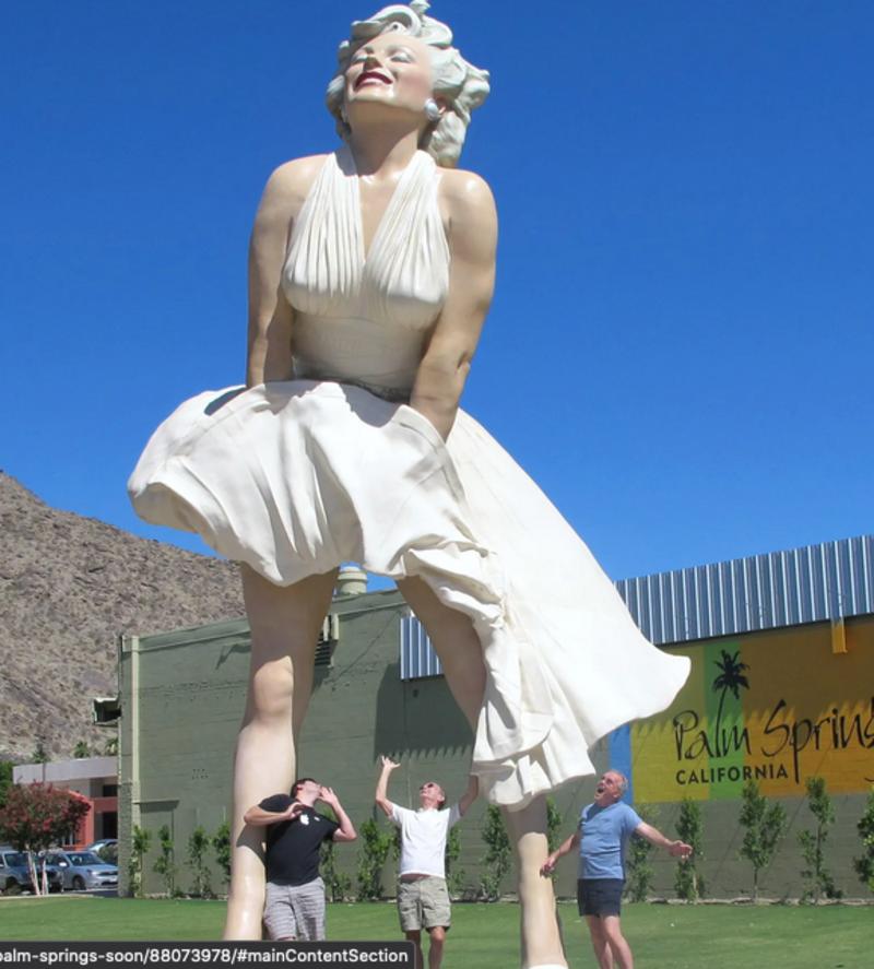 """La petizione della cancel culture contro la statua di Marilyn con la gonna al vento: """"Pura misoginia""""."""