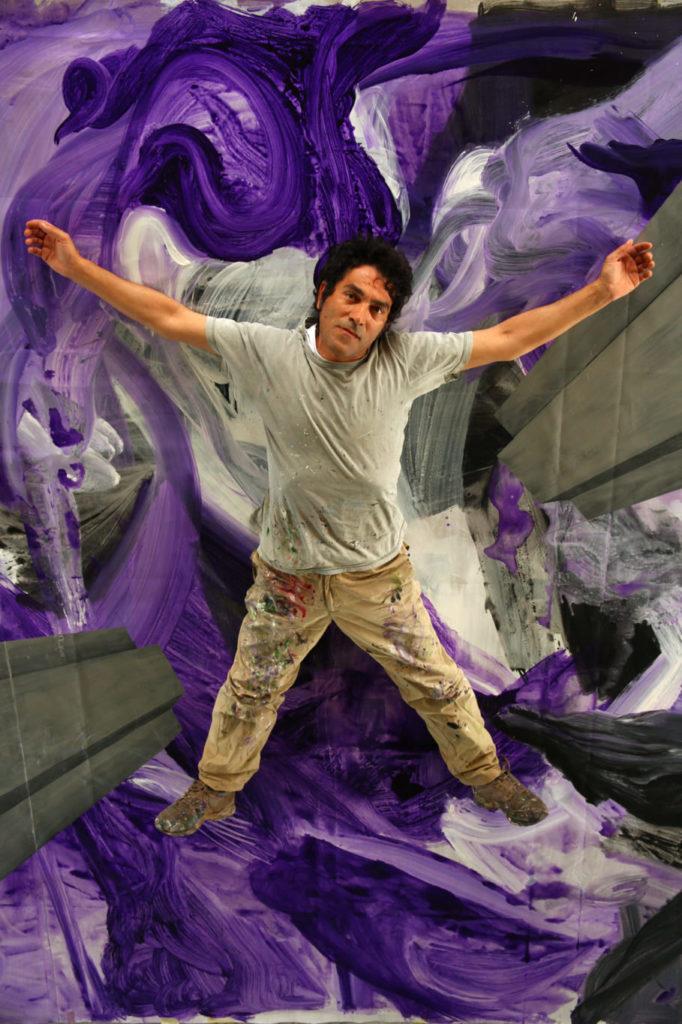 """La scultura invisibile di Salvatore Garau: """"Il vuoto non è altro che uno spazio pieno di energia""""."""