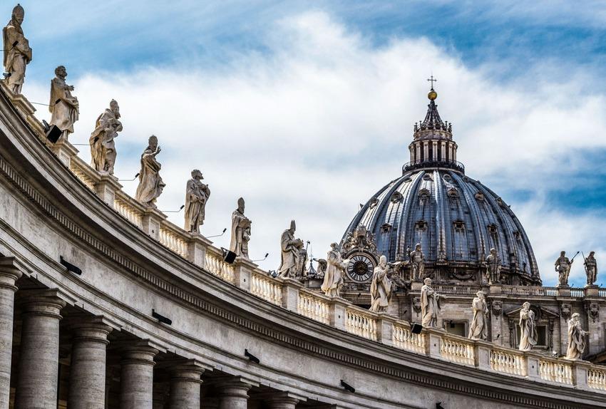 Papa Bergoglio cambia l'ordinamento giudiziario dello Stato del Vaticano