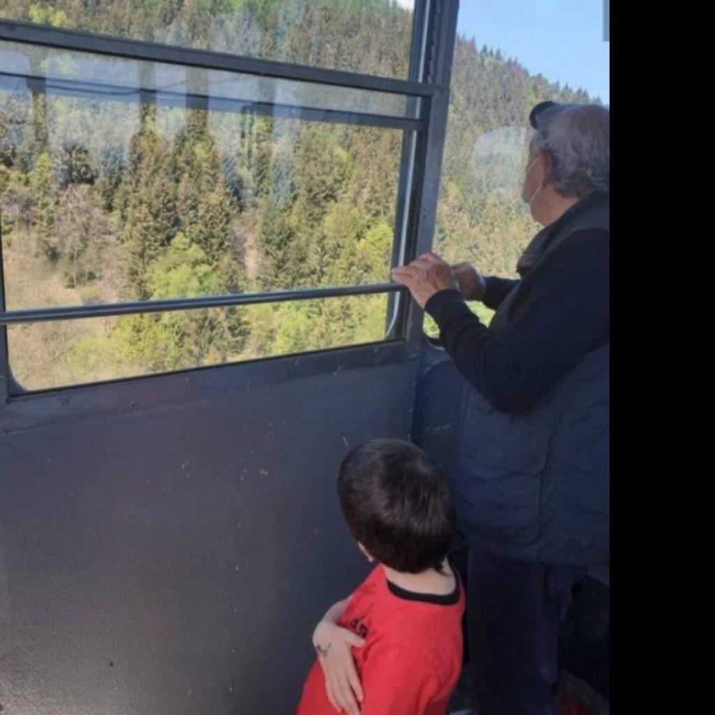 piccolo eitan in cabina prima dell'incidente