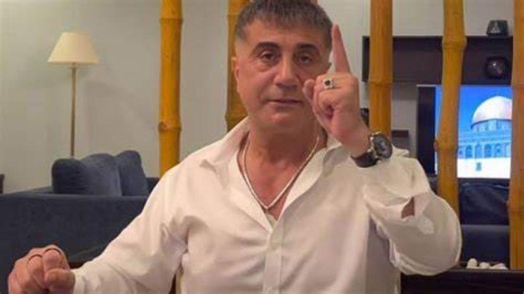 Mandato di cattura per Sedat Peker: la Turchia lo rivuole a tutti i costi