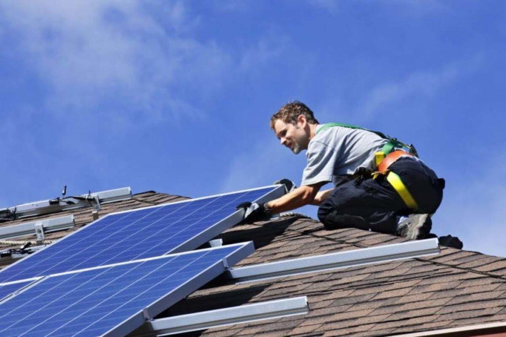 Fotovoltaico, regole per l'installazione e messa in posa