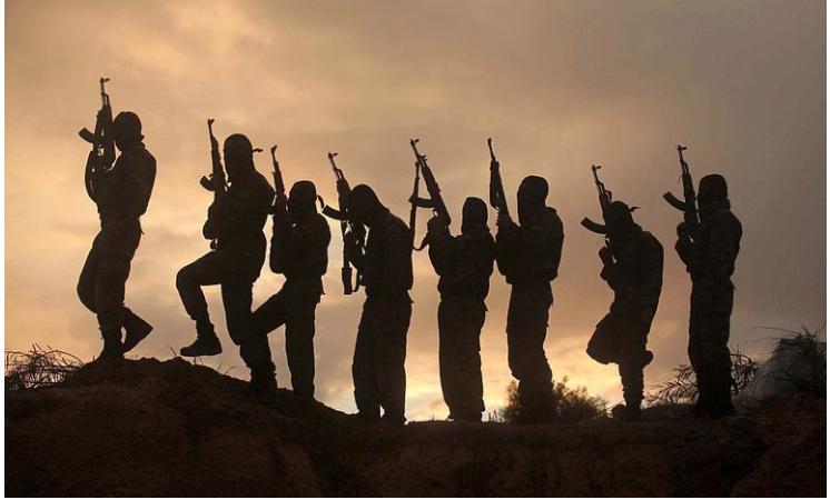 """""""Nella testa di una jihadista"""": Come avviene il processo di reclutamento"""