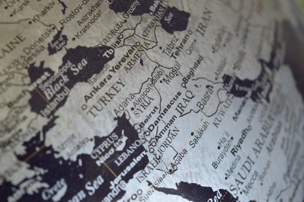"""""""Nella testa di una Jihadista"""": l'adescamento di giovani europei"""